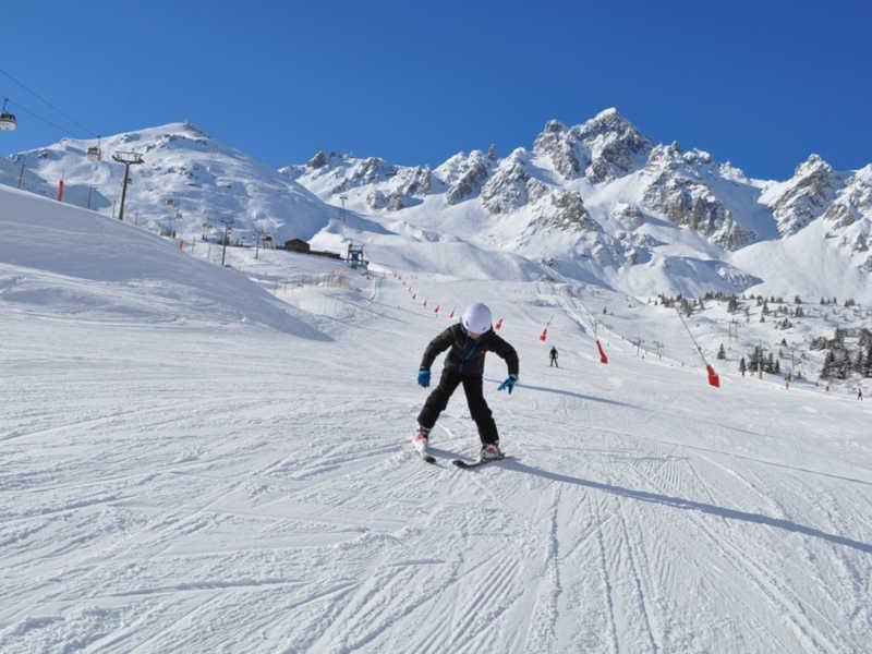 Freizeit - Winter - Skischulen in der Region - Symbolfoto
