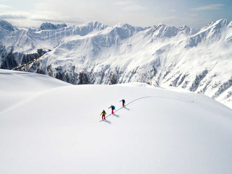 Freizeit - Winter - Skitouren - Symbolfoto