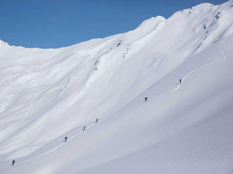 Freizeit - Winter - Skitouren - Symbolfoto3