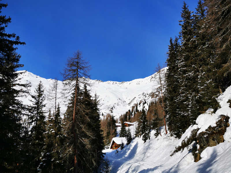 Freizeit - Winterfreizeit - Winterwandern - Symbolfoto2