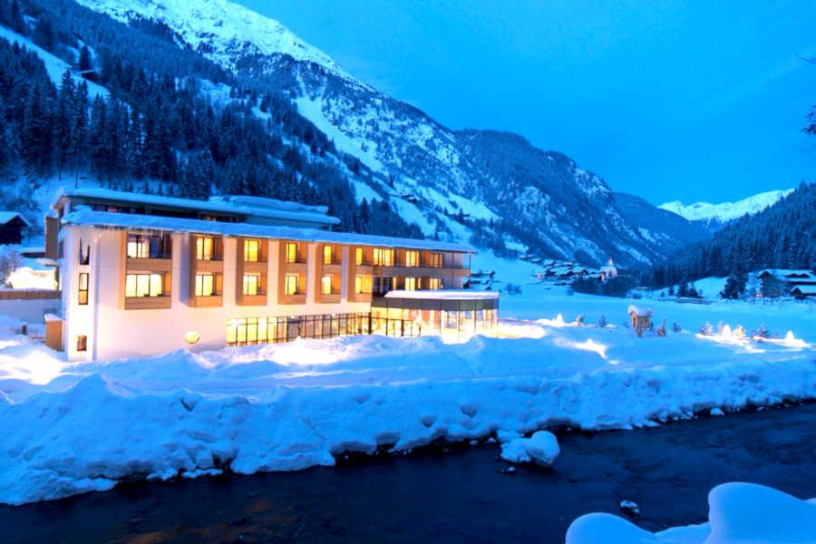 Impressionen - Hotel außen Winter 2