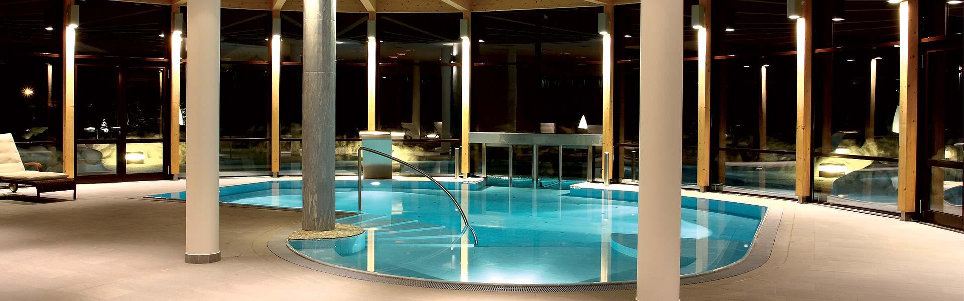 Stimmungsbild-Schwimmbad-1920-600