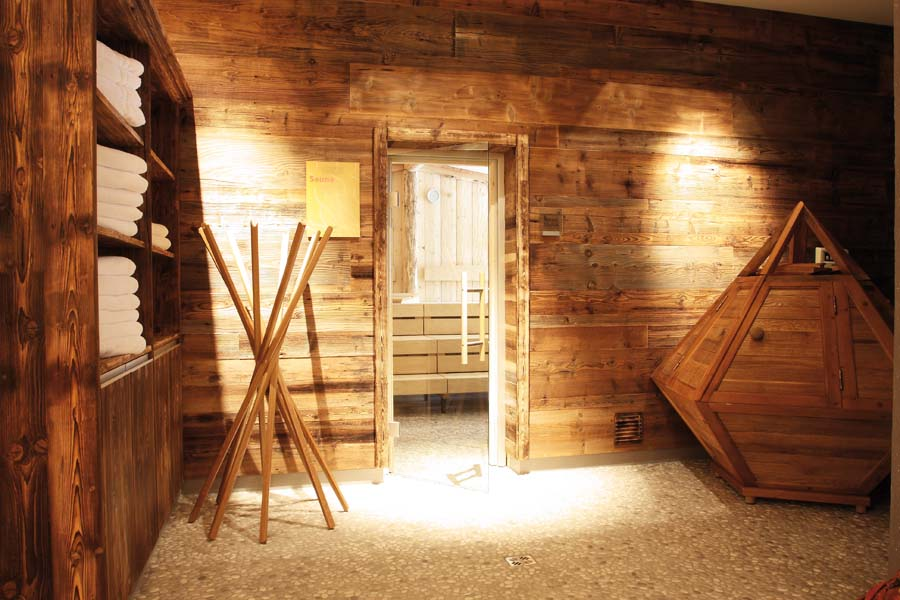Wellness-Spa-Sauna-Zedern Klang-900x600