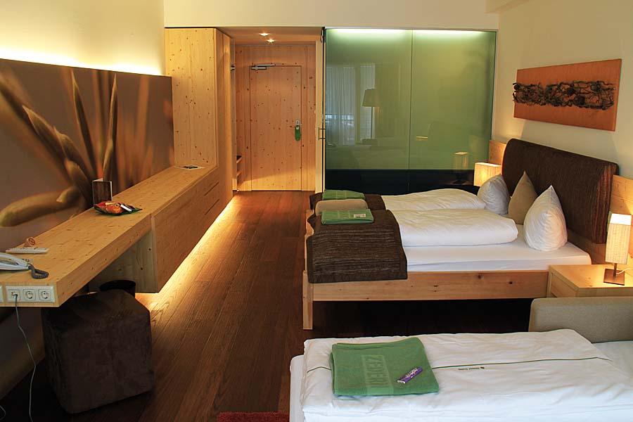 Zimmer-Superior-Zedern Klang-900x600-1